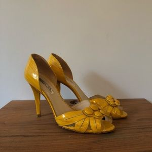 Oscar De La Renta yellow patent peep toe pumps